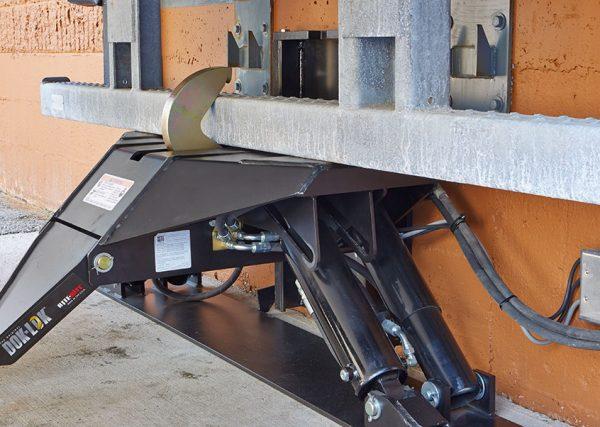 STR-4200 Dock Equipment